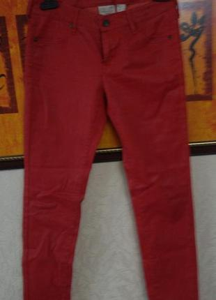 Красные джинсы mango