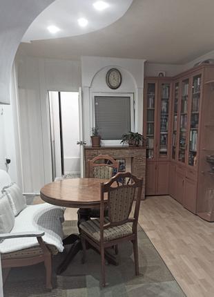 квартира 3-х комнатная на ж/м Покровский