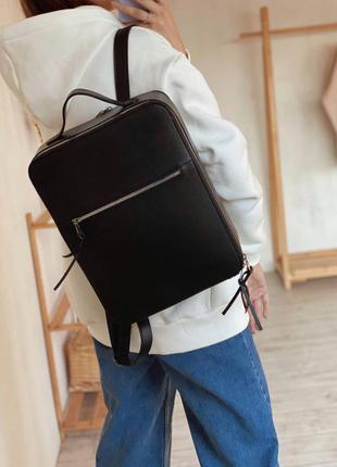 Чёрный прямоугольный рюкзак