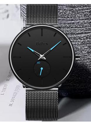 Фирменные часы BiDen на металическом ремешке