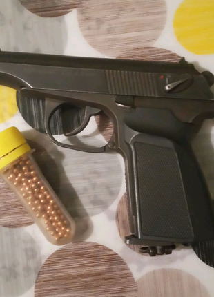 Пневматичний пістолет