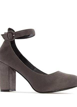 Туфли 42 р с ремешком андреас мочадо