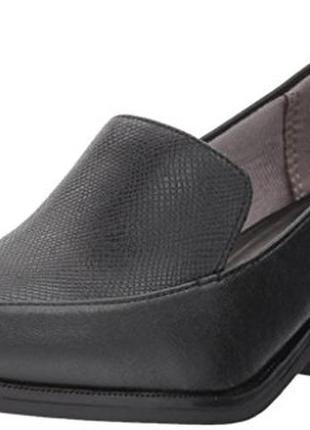 Туфли -лоферы 42 р на удобном каблуке