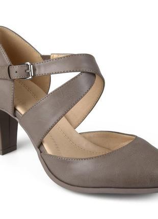 Туфли 43-44 р с закрытым носком на удобном каблуке большого ра...
