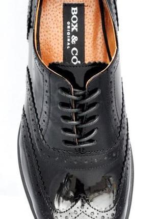 Мужские лаковые туфли броги из натуральной кожи, черные.