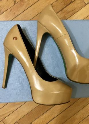 Cупер комфортные бежевые туфли