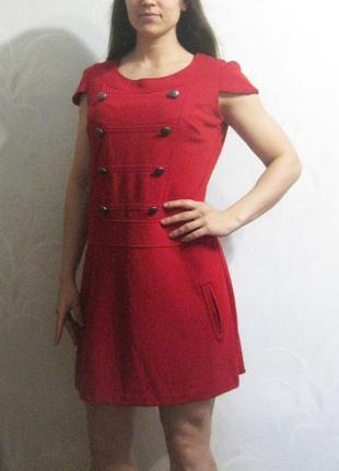 Платье next красное декор пуговицы короткое прямое
