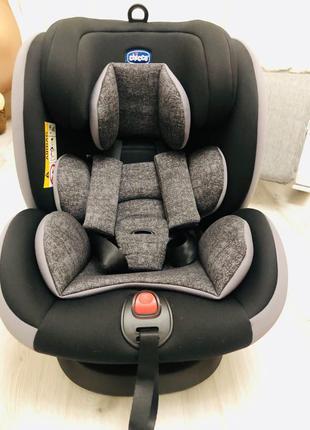Продам автокресло Chicco seat4fix