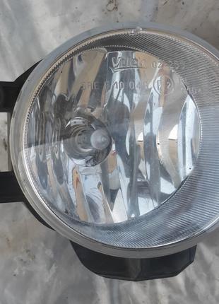 Toyota Фара противотуманная правая 81210-02110