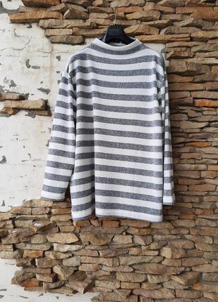 Стильный пуловер большого размера