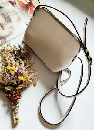 Идеальная сумка клатч нежного цвета