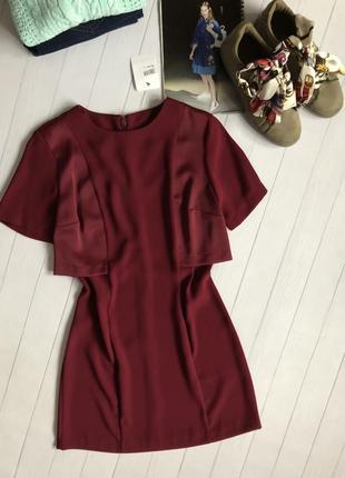 Красивое платье винного цвета