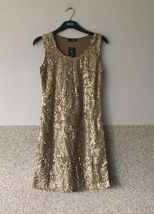 Шикарное платье в паетки с-м