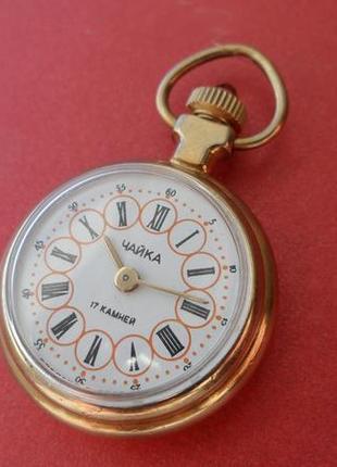 ФУНКЦИОНАЛЬНОЕ УКРАШЕНИЕ, КУЛОН-часы «Чайка» золоченные сделано в