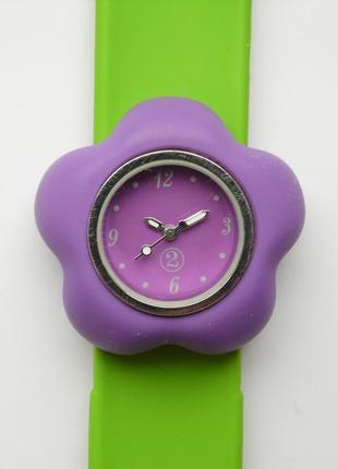 Фиолетовые часы с циферблатом в виде цветочка из сша с ремешко...