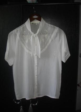 Красивая нежная блузка р. м