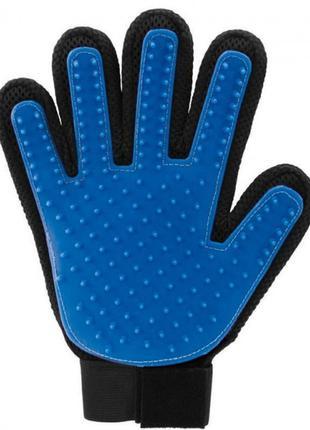 Щетка перчатка для вычесывания шерсти домашних животных True Touc