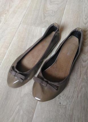 Туфли балетки хаки лаковые, размер 39