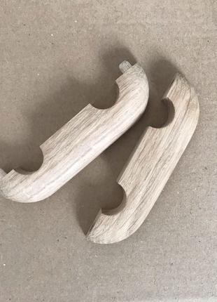 Деревянные накладки для труб батарей