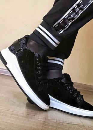 Сникерсы, кроссовки, кеди, ботинки, слипоны на белой подошве