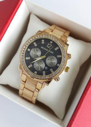 Наручные часы женские в золоте с черным циферблатом