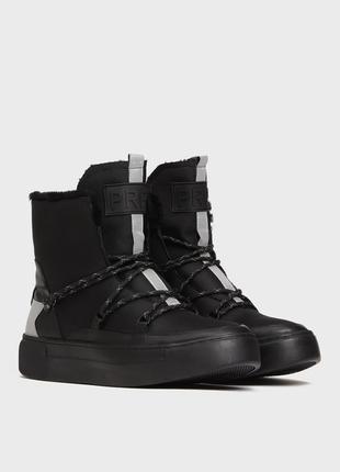 Зимние ботинки , угги со шнуровкой
