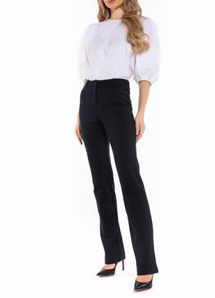 Черные брюки с высокой талией