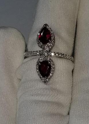 Кольцо. серебро 925 рубин размер 17