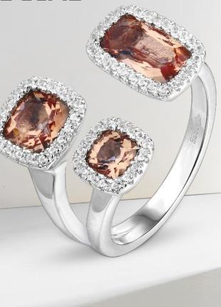 Серебряное кольцо с султанитом . размер 17 и 18