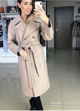 Теплое шерстяное классическое пальто на осень