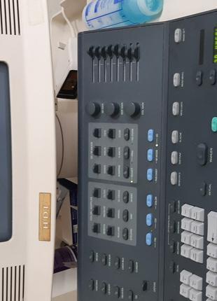 Продам УЗИ аппарат экспертного класса на 3 датчиаа