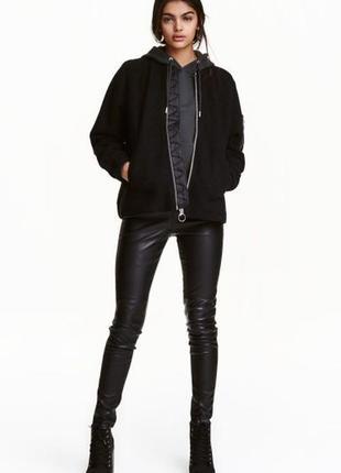 Модные брюки под кожу от h&m