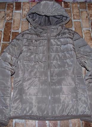 Куртка легкая с капюшоном