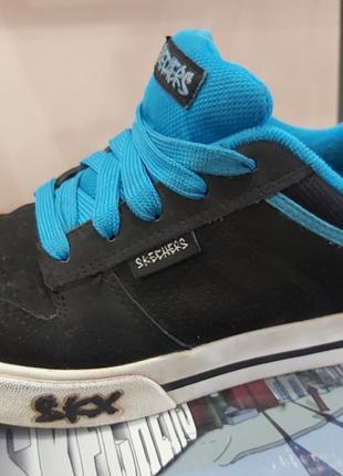 Scechers удобные качественные кроссовки