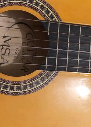 Гітара 6-ти струнна була куплена новою за кордоном