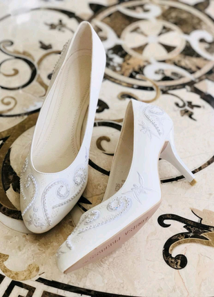 Louisa peeress кожаные итальянские белые туфли со стразами