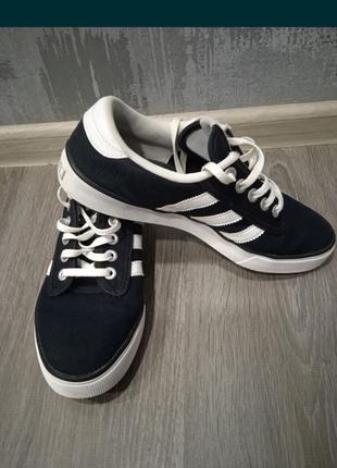 Кросы adidas