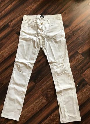 Белые штаны versace