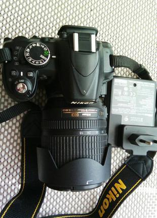 Nikon D3100 с объективом 18-105