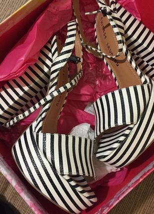 Летние босоножки в полоску на удобном каблуке chinese laundry ...