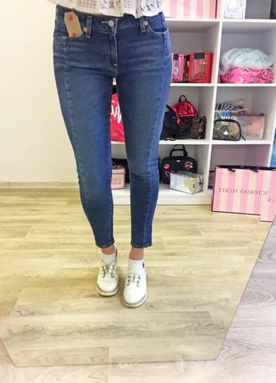 Новые джинсы от известного бренда levis из последней коллекции !!