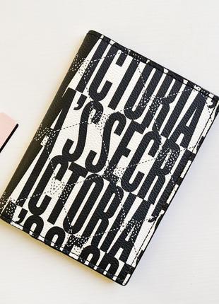 Обложка для паспорта victoria's secret vs monogram passport cover