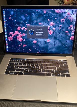 Macbook Pro 15 16GB 512GB