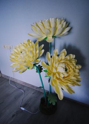 Торшер из изолона «Хризантемы»