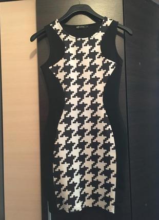 Платье силуэт бандажное иллюзия international