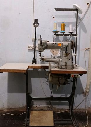 Швейная машина, швейная машинка.