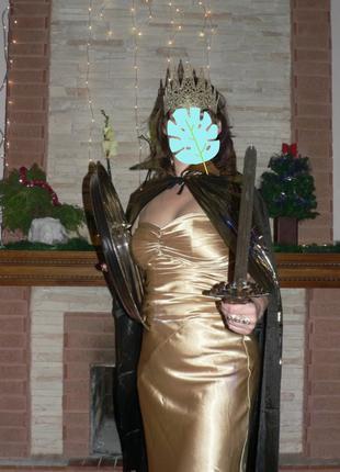 Принцесса Равенна косплей Золотая королева Белоснежка и охотник