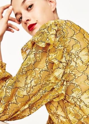 Стильная горчичная блузка с оборками zara укороченная желтая б...