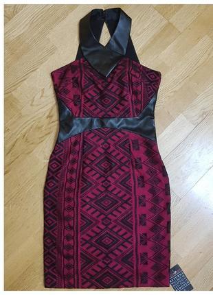 Силуэтное платье кружевное с кожаными вставками hybrid