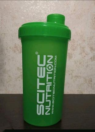 Шейкер Scitec 700ml green
